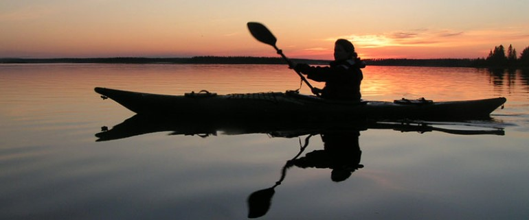 Canoe trip in the midnight sun.